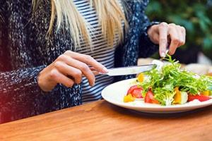 Pour une bonne digestion, il faut manger lentement