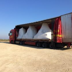 Transport des machines dans camion