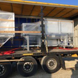 Transport machines dans camion